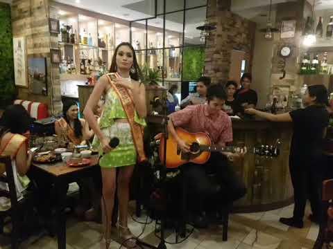 Dinayang 2018 Candidates singing Torete live at Casa Amore Bistro Atria