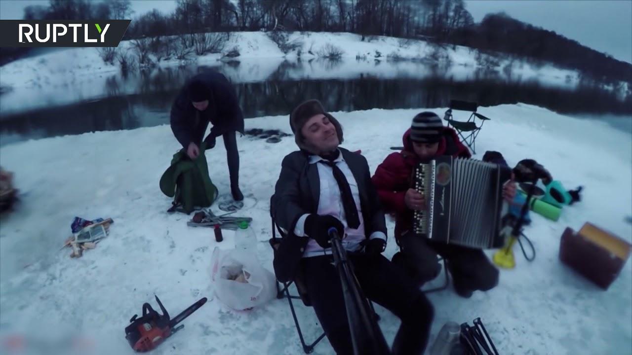 Всё включено: воронежские экстремалы устроили пикник на дрейфующей льдине