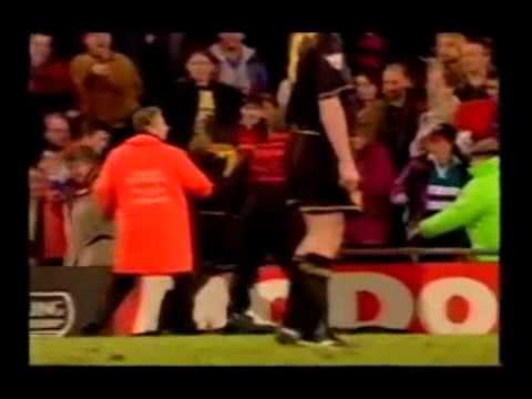 Eric cantona has revealed his only regret about his kung fu kick on a crystal palace. Eric Cantona S Kung Fu Kick 1994 95 Youtube