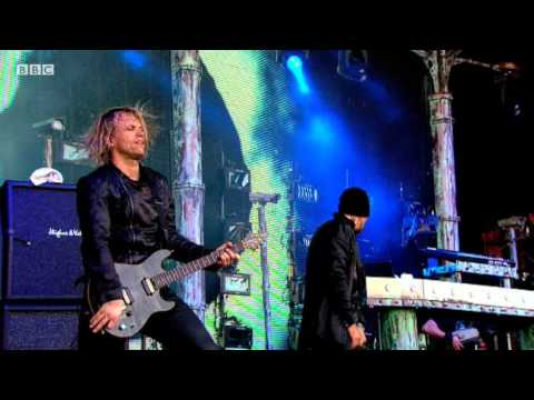 Pendulum perform Watercolour live at Glastonbury 2011