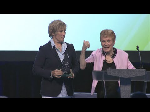 Diana Nyad 2014 IDEA World Keynote