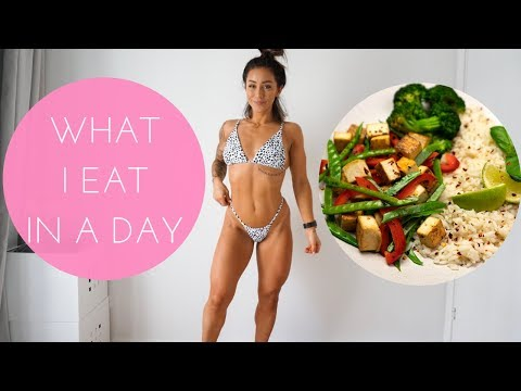 What I REALLY Eat In A Day During My CHALLENGE + Physique Update!