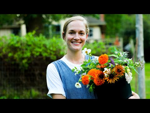 Building Flower Bouquets - Tips From a Pro Florist