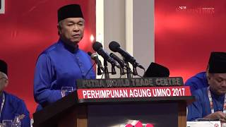 Zahid leads Umno delegates in loyalty pledge