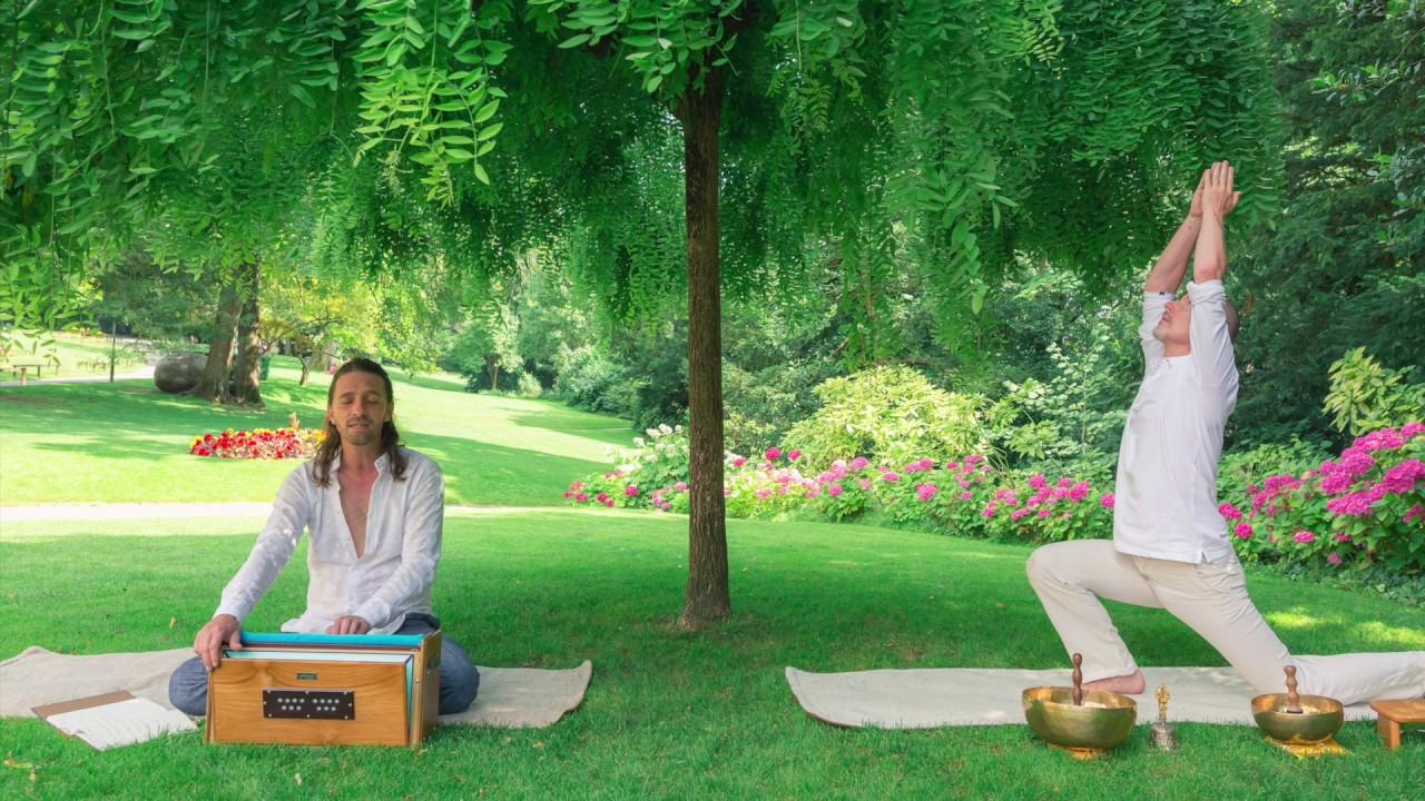 ECOUTER :                            Blaise & Grégory, quel yoga ?