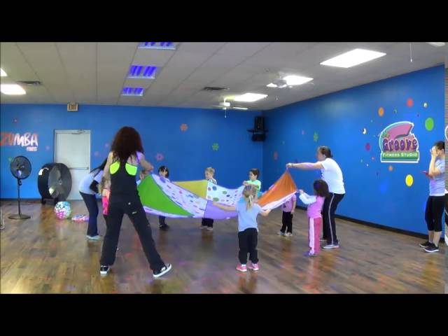 Zumba Kids Jr parachute game