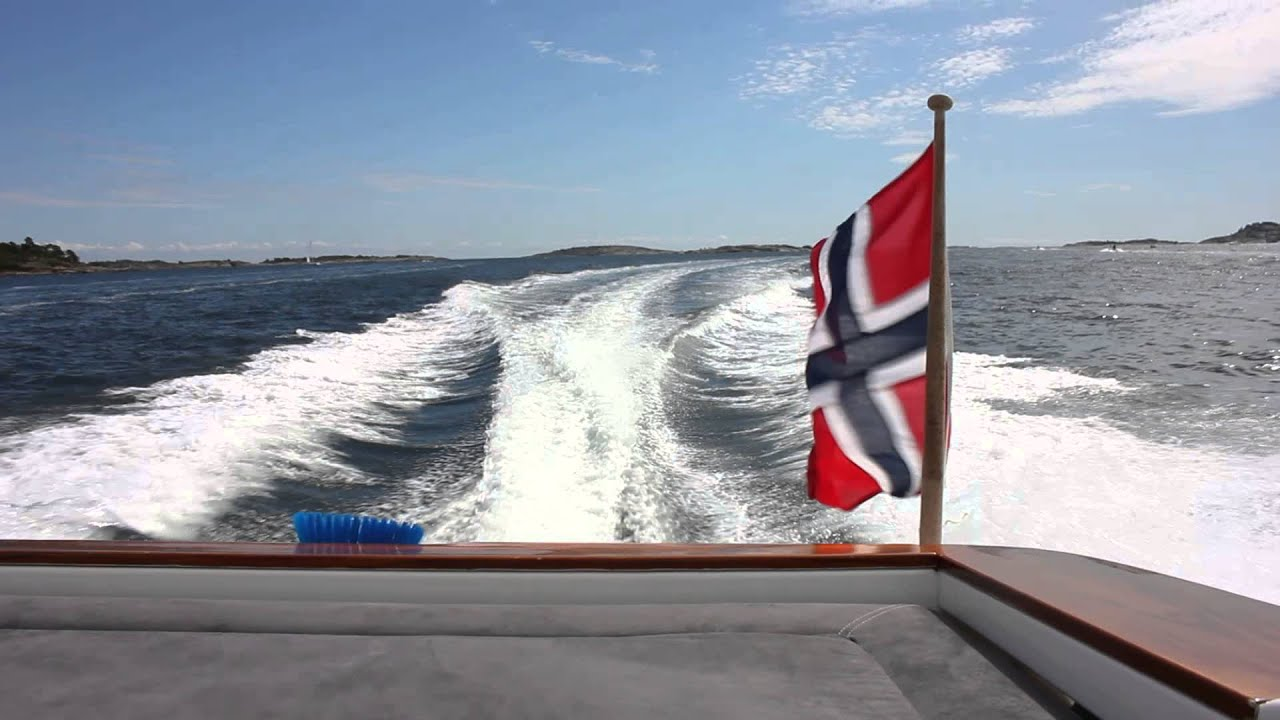 the norwegian flag blowing in the wind youtube