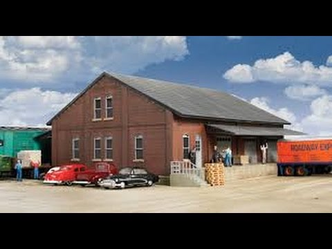 Walthers freight/warehouse house part 4