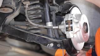 Hoe een koppelstang achteraan op een MERCEDES BENZ 190 W201 vervangen [HANDLEIDING]