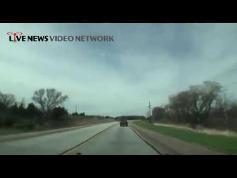 4/27/2014 Ben McMillan is on a possible tornado in Nebraska - Live