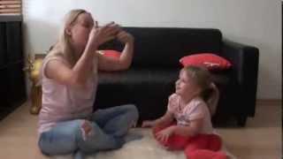 Пальчиковая гимнастика для детей 1 - 3 лет. Развивающие игры дома.(Пальчиковая гимнастика - прекрасное средство для развития мелкой моторики и развития речи. Пальчиковые..., 2013-10-17T08:47:40.000Z)