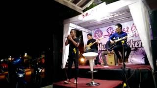 Armada - Wanita Paling Bahagia Cover By Octave (Semerbak Cafe Kebon Rojo Jombang)