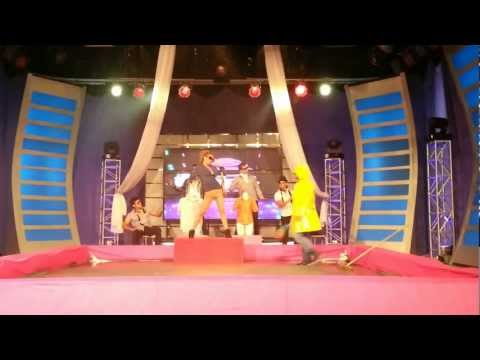 RITCHARD VIRUEZ STRIP DANCE BAJO LA LLUVIA BAILALO 5