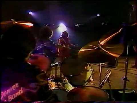 Wanda Jackson Live In Paris 1981 -Right Or Wrong.AVI