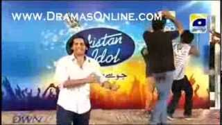 Dancing singer in Karachi auditions in Pakistan Idol