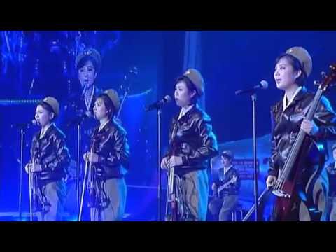 绝版的朝鲜牡丹峰乐团乐手满含热泪演唱领袖颂歌