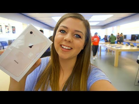 GETTING MY NEW GOLD iPHONE 8 AT THE APPLE STORE!!