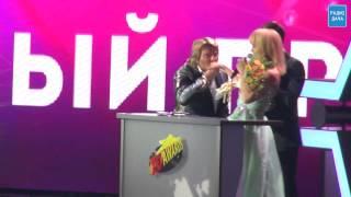 Титул «Звезда Радио Дача» и корзина пирожков для Николая Баскова