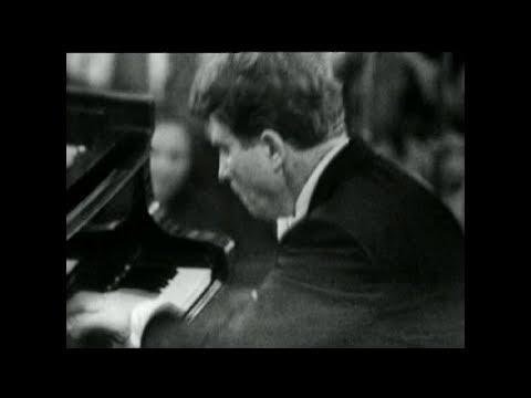 Emil Gilels - Tchaikovsky: Piano Concerto No. 1 - USSR State Symph. Orch. - V. Dubrovsky (1966)