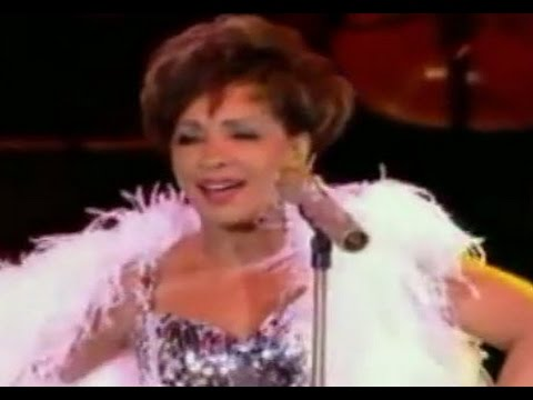 Shirley Bassey  Light My Fire 2009  at Electric Proms