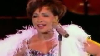 Shirley Bassey - Light My Fire (2009 Live at Electric Proms)
