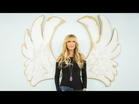 How To - Orly Shani's DIY Angel Wings Wall Art - Hallmark Channel