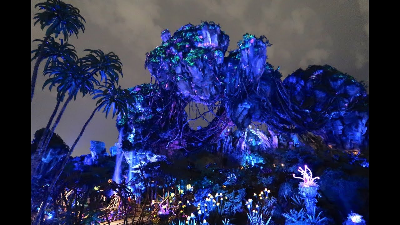 it-s-bioluminescent-pandora-the-world-of-avatar-at-night-disney-s-animal-kingdom