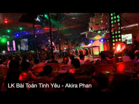 Akira Phan diễn tại Đêm Màu Hồng Bar Coffee 16/8