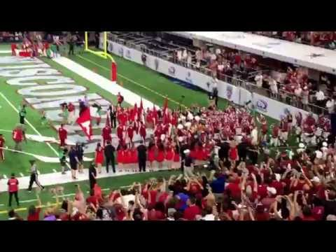 Alabama takes the field vs Wisconsin 2015