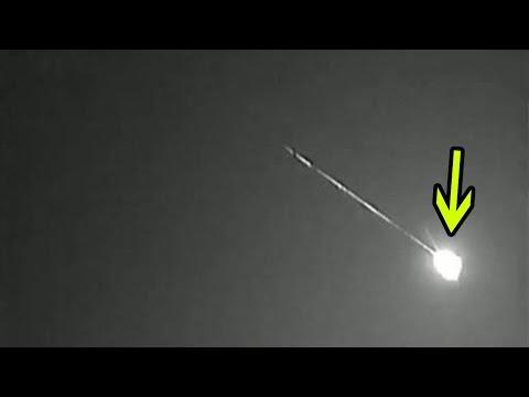 HEBOH Dua Meteor Meledak Di Atas Langit Inggris!