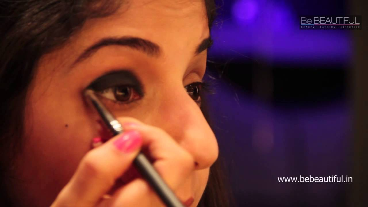 How To Do Simple Smokey Eyes Using Just A Kajal Pencil Youtube