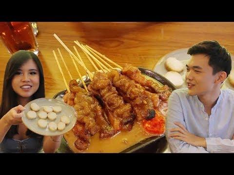 Juicy Indonesian Satay - Jakarta Food Tour ft.Titan Tyra - Food Travel