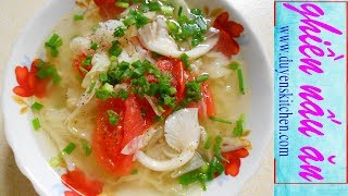 Canh ngót chay có vị chua chua của cà và me, thêm nhiều đậu hủ và r...