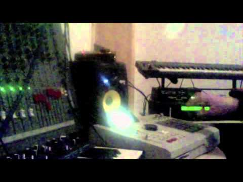 Deep house akai mpc2000xl s2000 alpha juno korg m1 youtube for Juno deep house