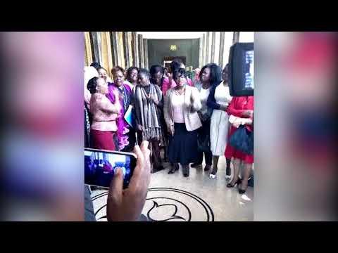 Women MPs chant \