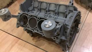 стол из двигателя с вращением V8
