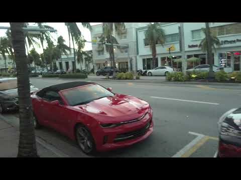 Walking Down Washington Avenue - Miami Beach, Florida