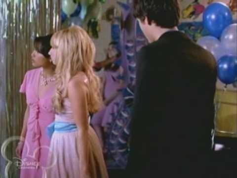 ashley tisdale kiss the girl