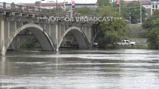 10-18-18 Austin, TX - Flooded Colorado River Approaching Downtown Roads
