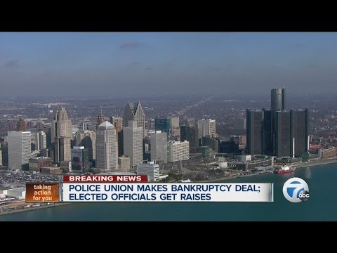 Police union makes bankruptcy deal; Elected officials get pay raises
