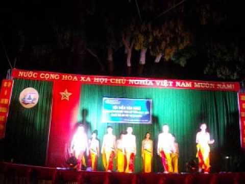 """Trung cấp sư phạm mầm non Dak Lak, A2k37, Múa """"Vào hội"""""""