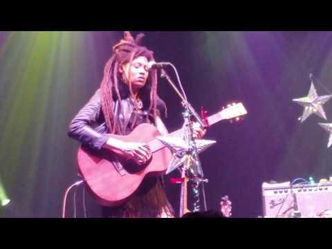 Valerie June - Love Told a Lie (Live in Dallas)