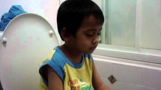 sleeping while poop -- funny....