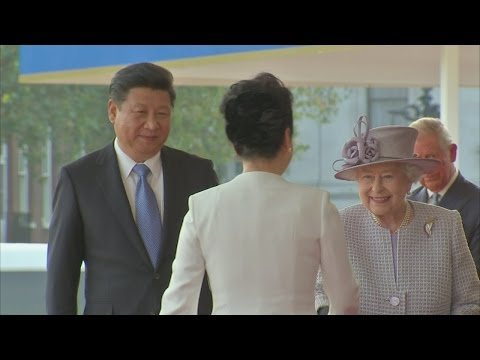 Queen welcomes China's President Xi Jinping to Britain