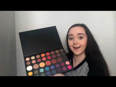 JAMES CHARLES ARTISTRY PALETTE UNBOXING - SOPHIE'S LIFE thumbnail