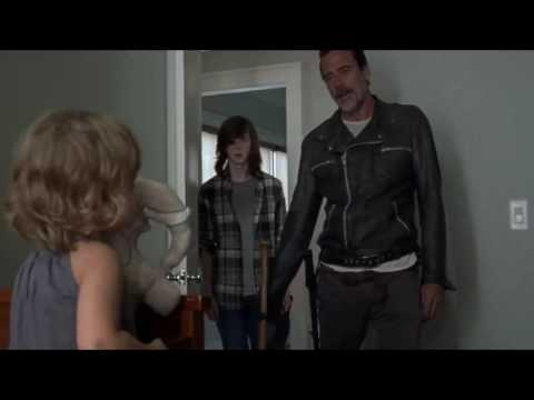 The Walking Dead - Negan finds Judith.