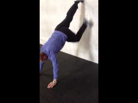 Nose and toes handstand drill