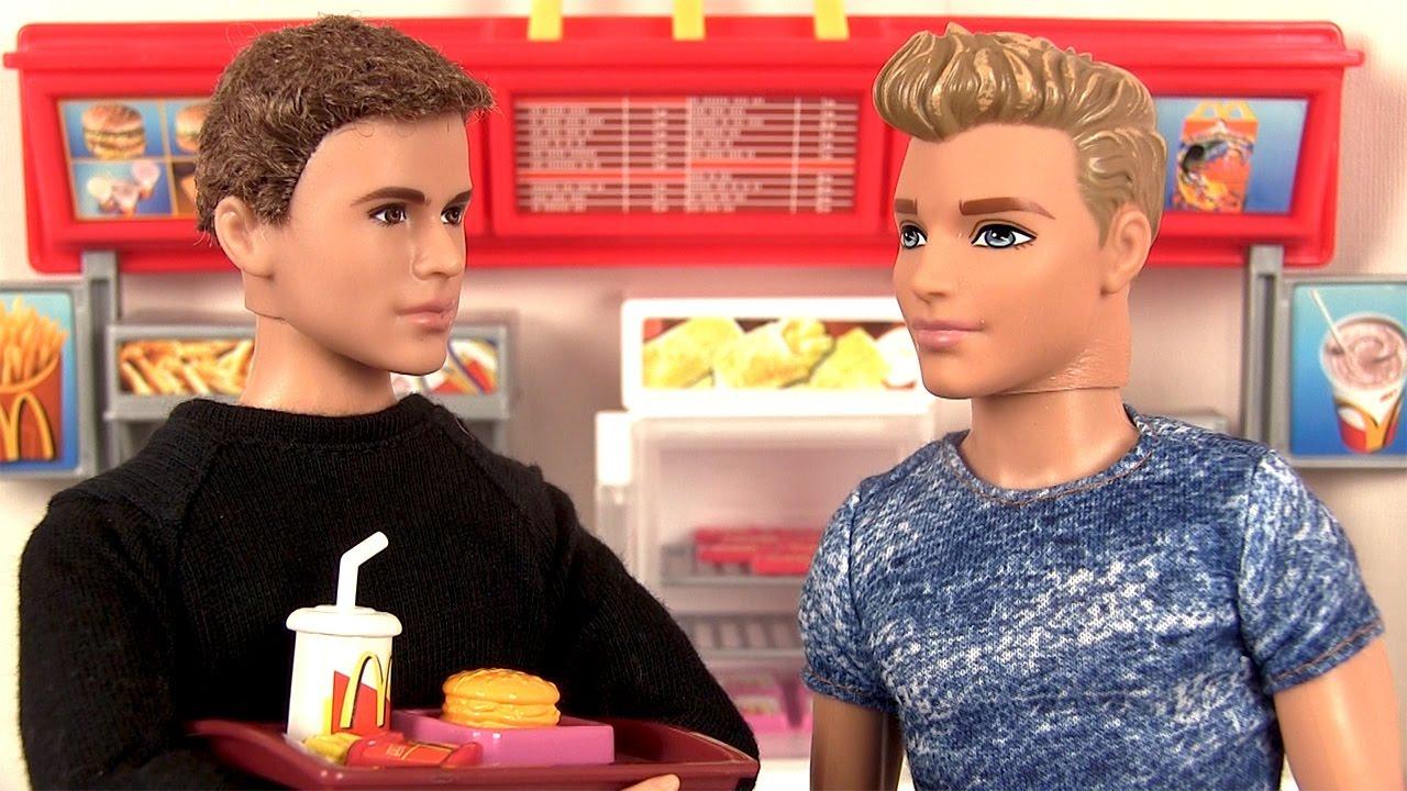 Ken r v le ce qu 39 il pense de mickella barbie jouets histoires de poup es youtube - Image barbie et ken ...