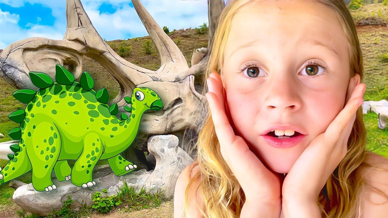 ناستيا وبابا يستكشفان الحديقة الجوراسية في هاواي! رحلة مغامرة جديدة