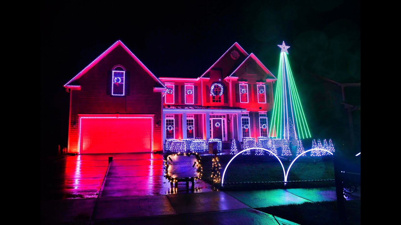 Holiday Christmas lights in Indian Trail - YouTube